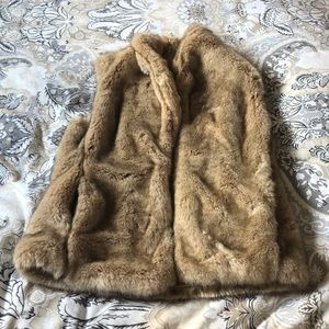 Sanctuary faux fur vest. Camel/tan